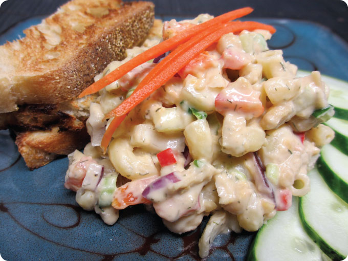 macaroni and chickpea salad
