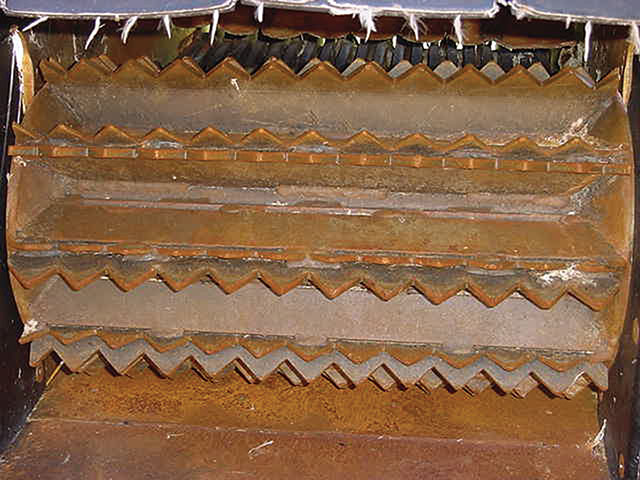 Wood chipper blades